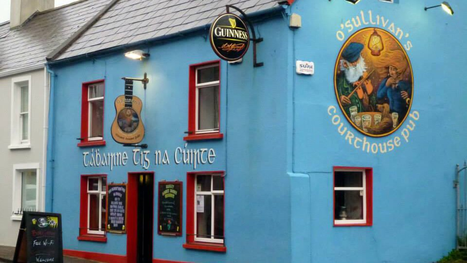 O'Sullivans Courthouse Pub in Dingle, Ireland