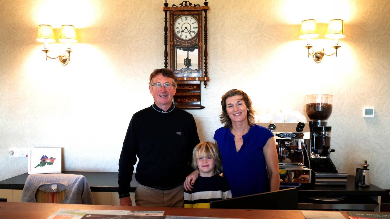 Family who own and run Spanish Point House hotel in Ireland