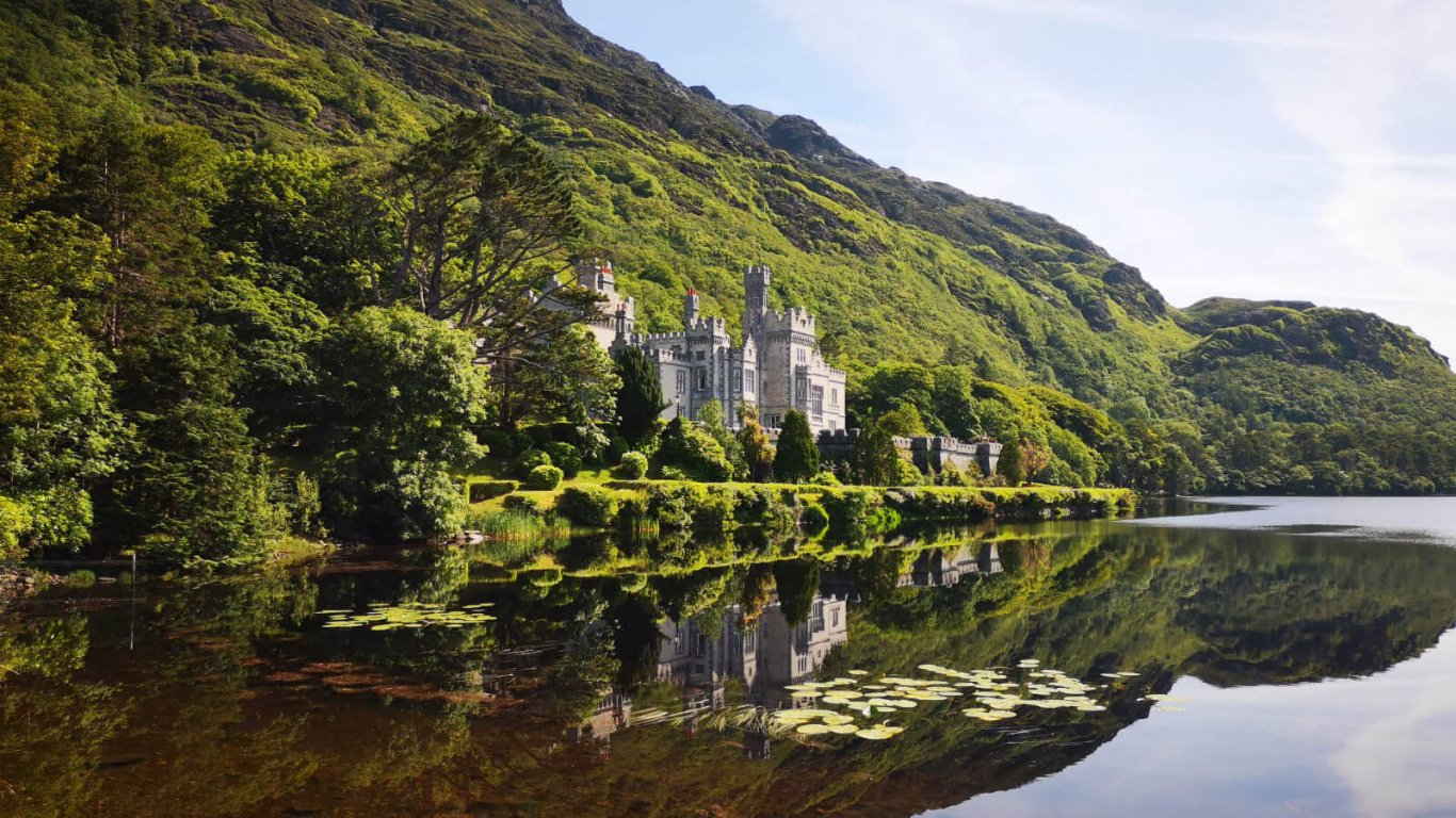 Scenic shot of Kylemore Abbey in Connemara, Ireland