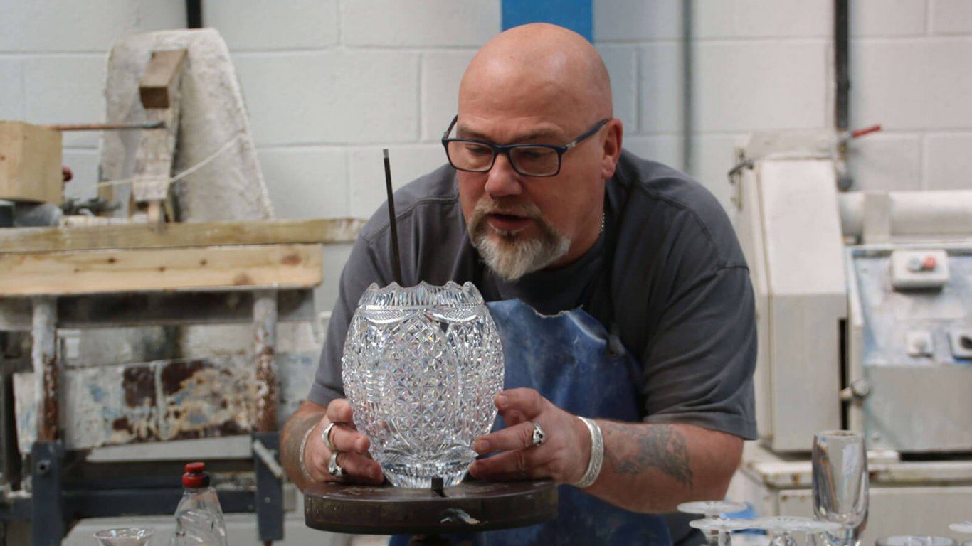 Master craftsman Sean Daly of Dingle Crystal in Ireland