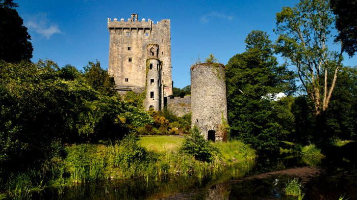 Blarney Castle and tower beside river