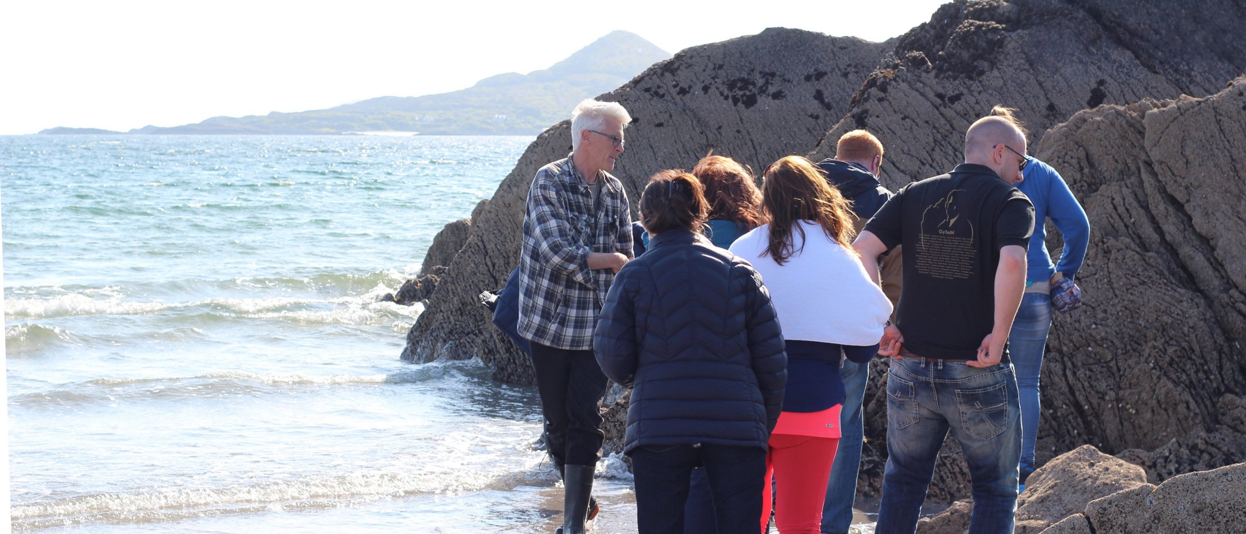 Vagabond Tour Group foraging for seaweed in Ireland