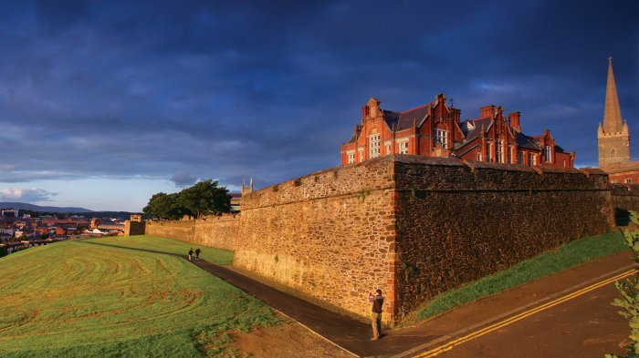 Sunset falls on 17th century walls of Derry