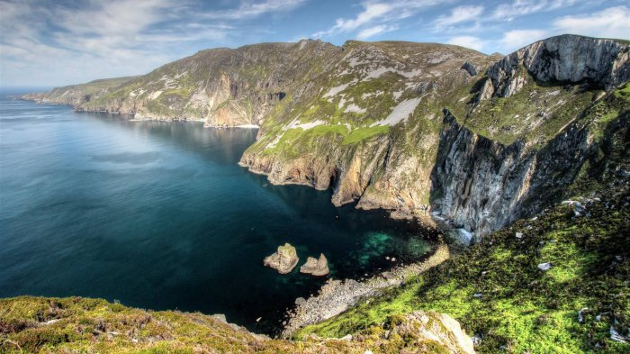 Slieve League sea cliffs in Donegal