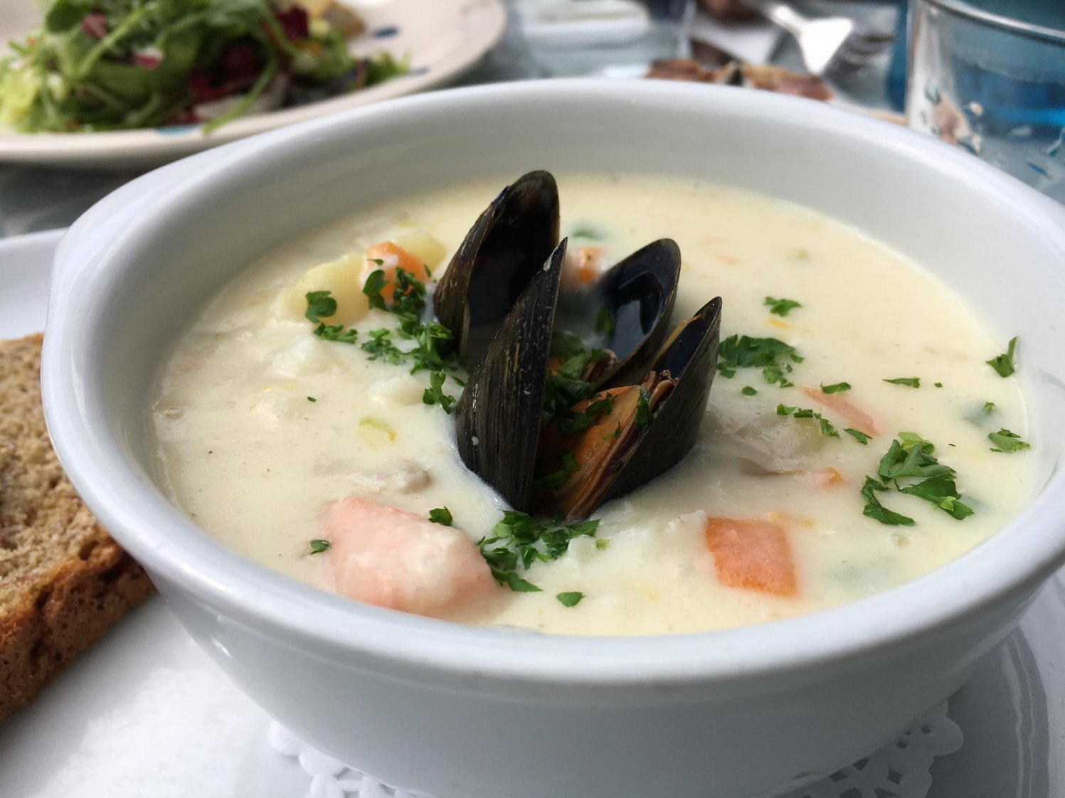 how to make an irish seafood chowder in 8 easy steps